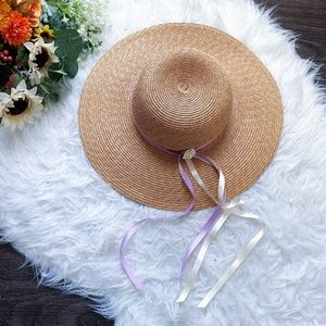 VINTAGE TAN STRAW HAT